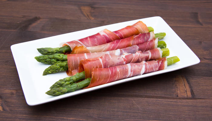 Innpakket asparges