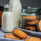 Havrekjeks og melk